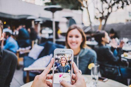 Smartphone Terbaik Untuk Vlogging Pada Tahun 2021